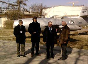 Od lewej: drhab. inż.Cezary Galiński, mgrinż.Marcin Gawroński, prof.drinż.Vołodymir Kharchenko, drinż.Krzysztof Szafran.