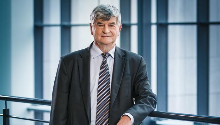 Błękitne Skrzydła Award for profesor Piotr Wolański