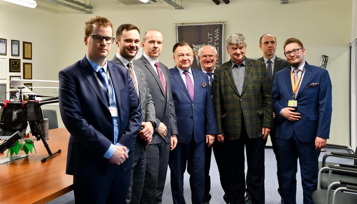 Marshal of the Mazowieckie Voivodeship Adam Struzik visited the Institute of Aviation