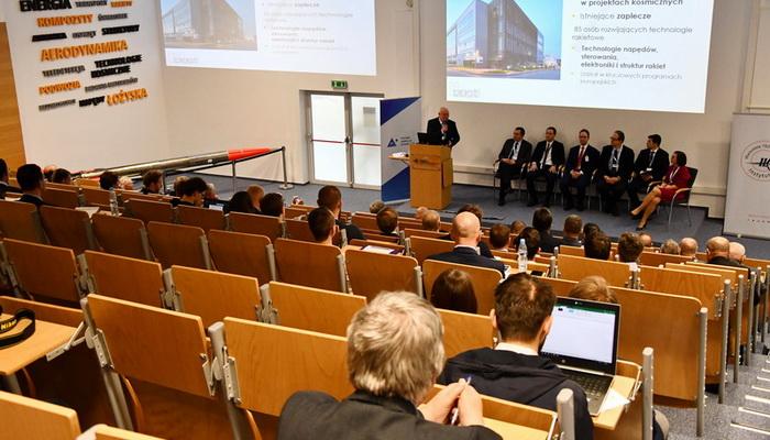 """Konferencja """"Rozwój izastosowania technologii rakietowych wPolsce – nowe otwarcie"""""""